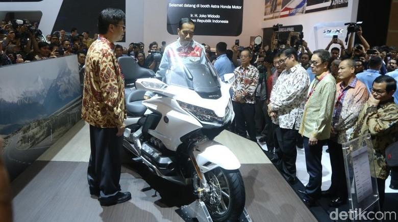Honda Goldwing saat dilihat Presiden Joko Widodo di IIMS 2018 lalu (Foto: PT Astra Honda Motor)