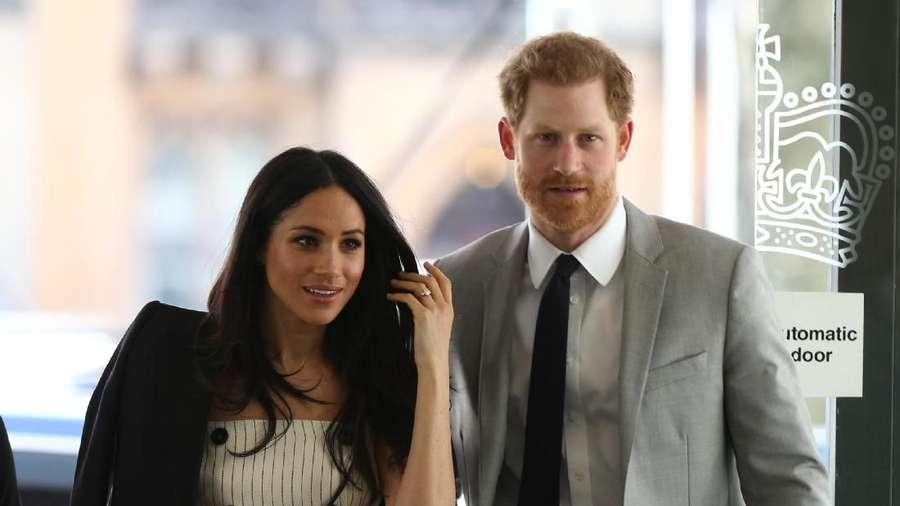 Gogon Meninggal Dunia, Kemesraan Pangeran Harry dan Meghan Markle