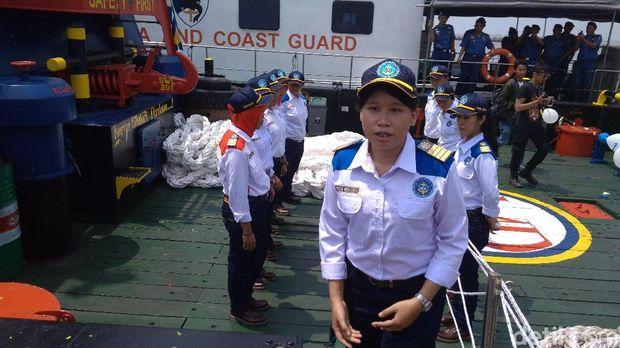 Siapa Sangka Seluruh Kru di Kapal Ini Adalah Wanita