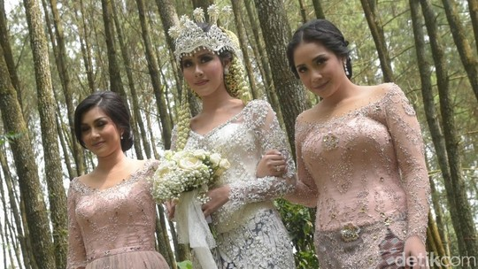 Happy Wedding Syahnaz dan Jeje Govinda