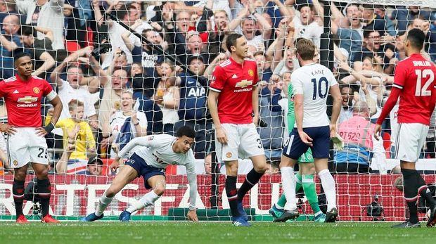 Dele Alli membuka sempat harapan bagi Tottenham dengan golnya pada menit ke-11.