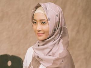 Vanilla Hijab Makin Sukses, Deretan Seleb Ini Pernah Jadi Modelnya