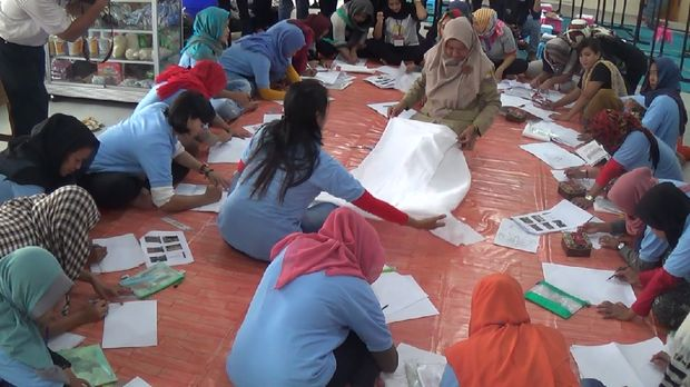 Ada 32 tahanan belajar membatik di  Lapas Klas II B Muaro Bulian, Kabupaten Batanghari, Jambi.