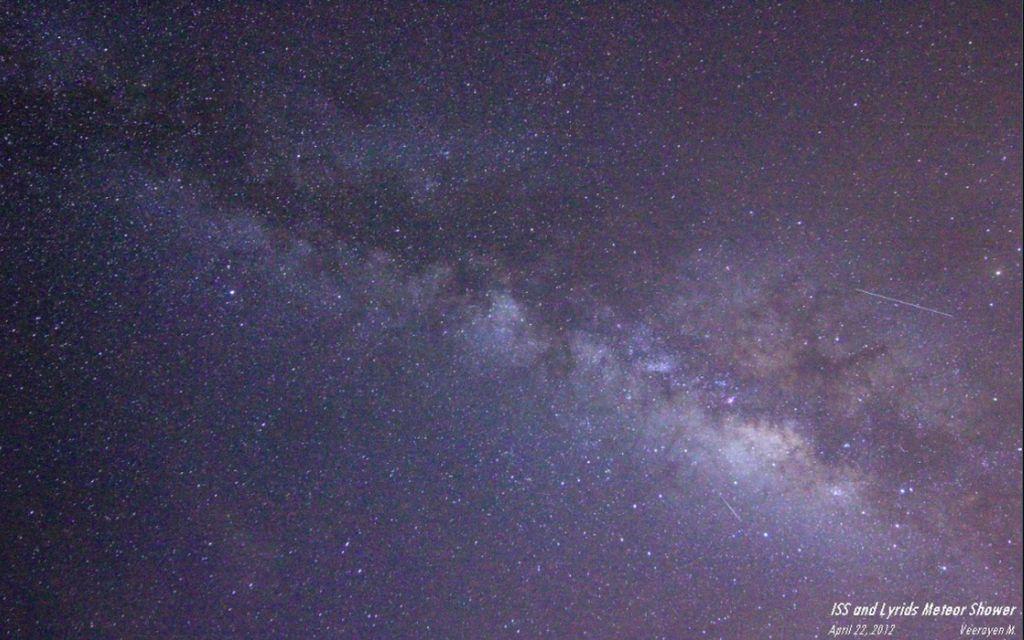 Penampakan hujan meteor Lyrid di Kedah, Malaysia pada 2012. Foto: via Space.com