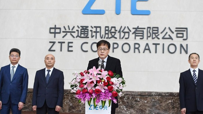 Foto: ZTE menghentikan bisnis utamanya pasca diblokir AS (Reuters)