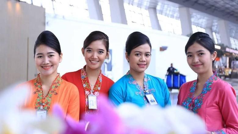 Hari Kartini di Bandara Soetta: Bagi-bagi Cokelat hingga Baca Puisi