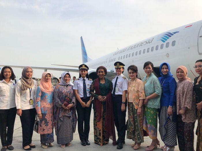 Susi tiba di Bandara Soekarno Hatta sekitar pukul 07.30 WIB. Susi tampak anggun mengenakan kebaya hijau. Pool/Kementerian Kelautan dan Perikanan.
