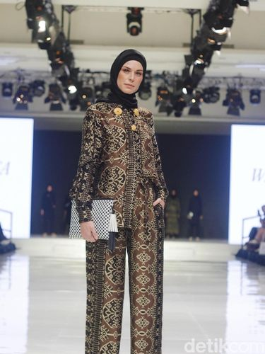 Fashion Show Jenahara di Jakarta Food and Fashion Festival 2018.