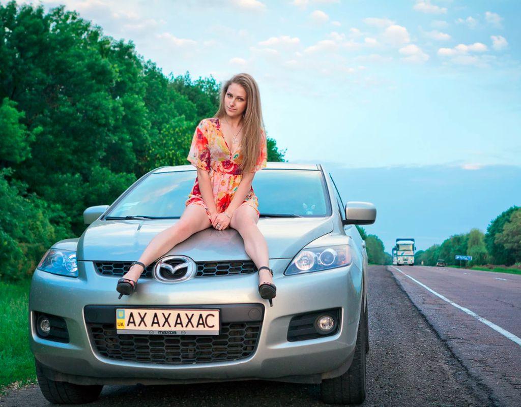 Ini adalah Mei Dasha, wanita menawan asal Ukraina yang jadi viral kisahnya karena bersuamikan orang China. Foto: Weibo