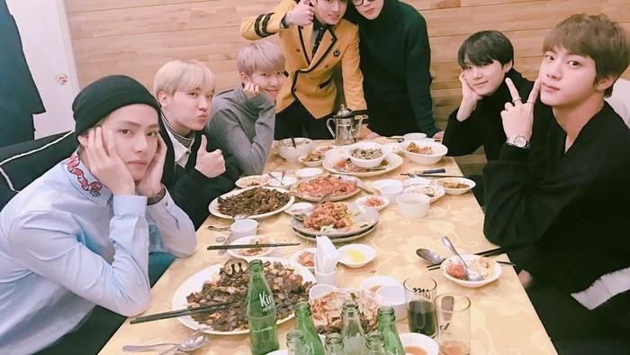 gaya makan member BTS