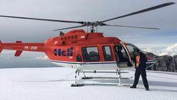 Ini Tur Naik Helikopter ke Es Abadi Indonesia