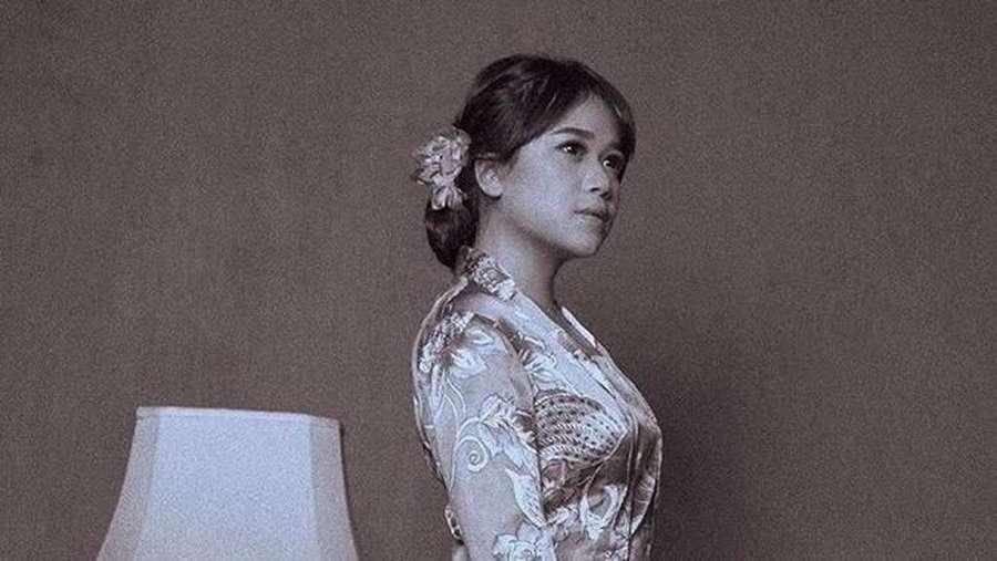 Gaya Selebriti Indonesia Rayakan Hari Kartini