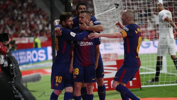 Lionel Messi dan Andres Iniesta sama-sama mencetak gol ke gawang Sevilla di final Copa del Rey.