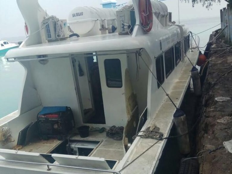 Ledakan Kapal Dinas Perhubungan di Dermaga Pulau Panggang