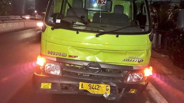 Kecelakaan di Tol Penjompongan. Foto: TMC Polda Metro Jaya