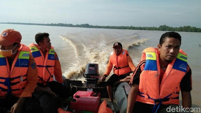 Mencari Wakapolres Labuhanbatu yang Hilang di Sungai Barombang
