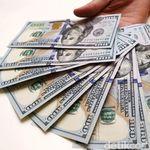 Dolar AS Tekuk Balik Rupiah ke Rp 14.035