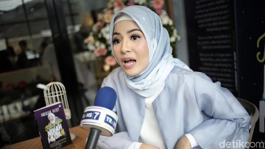 Natasha Rizki Curhat Soal Pernikahannya dengan Desta Lewat Buku