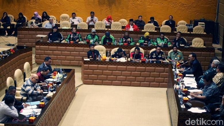 Politikus Gerindra-PKB Usul Jokowi Terbitkan Perpres Atur Ojol