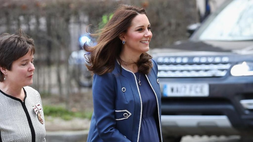 Alasan Kate Middleton dan Meghan Markle Suka Bergaun Pendek Saat Hamil