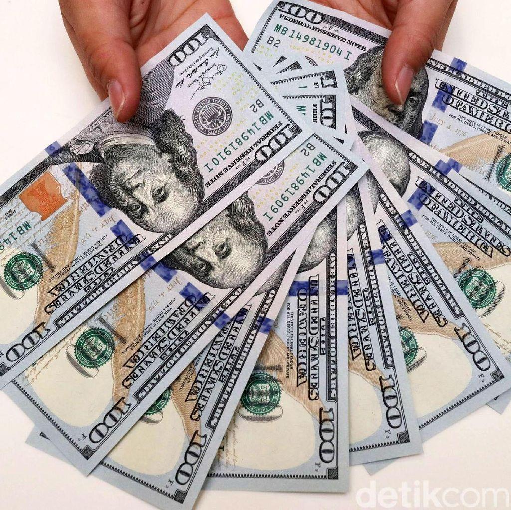 Dolar Tembus Rp 14.200, Luhut: Tidak Perlu Dikhawatirkan