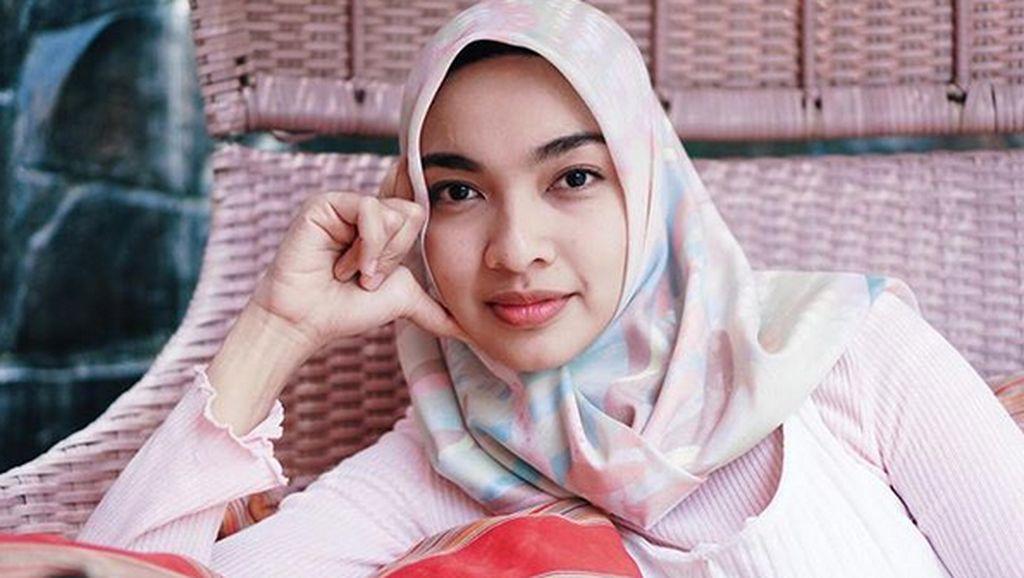 Sudah Hijrah, Tika Bravani Masih Suka Dapat Tawaran Kerja Lepas Hijab