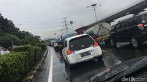 Imbas Truk Terguling, Lalin di Tol Menuju Bandara Soetta Macet Parah