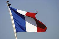 Tak Mau Bersalaman dengan Pria, Wanita Ini Ditolak jadi Warga Prancis
