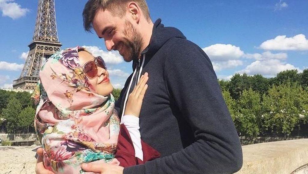 Potret Romantis Bule Belgia yang Nikahi Hijabers Indonesia, Bikin Netizen Baper