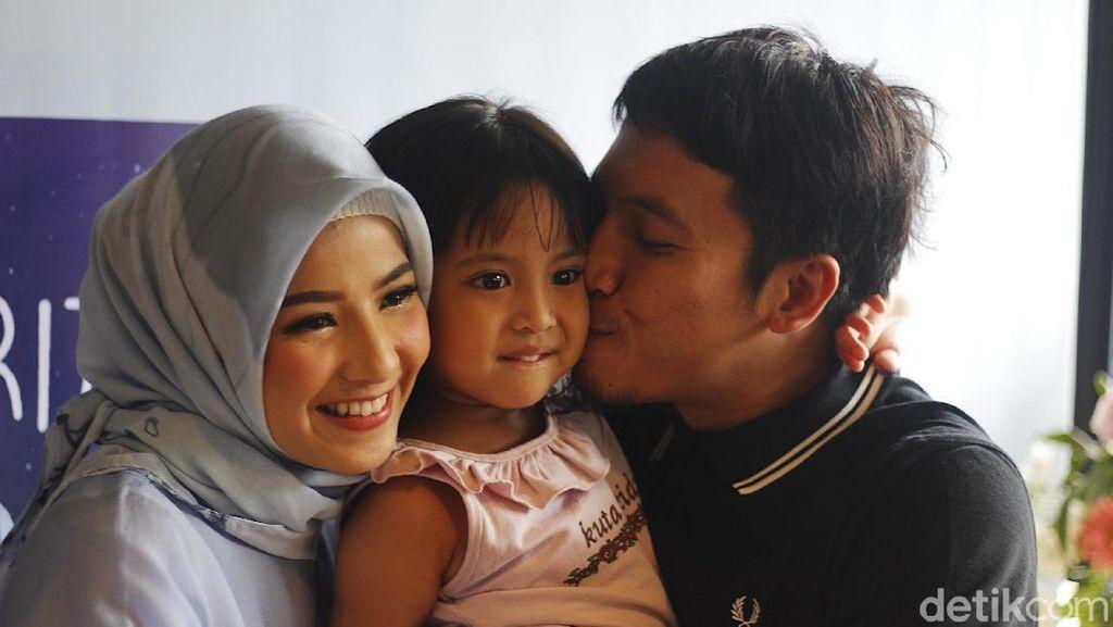 Tips Merawat Anak untuk Ibu Muda Ala Natasha Rizky