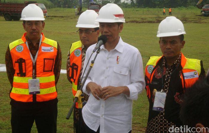 Presiden Joko Widodo menyatakan pembangunan Bandara Jenderal Besar (JB) Soedirman di Kabupaten Purbalingga, Jawa Tengah, dimulai.
