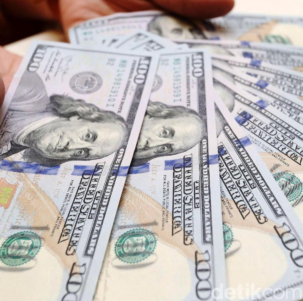 Pemerintah Harus Paksa Pengusaha Tukar Devisa Ekspor ke Rupiah