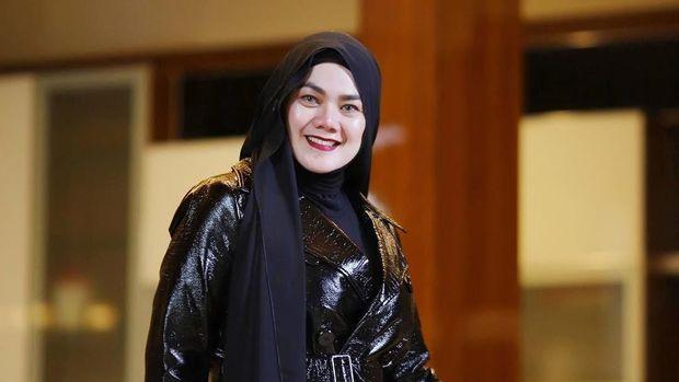 Sarita, ibunda Shafa Haris