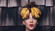 Kreatif! Wanita Ini Ubah Sayur dan Buah Jadi Aksesoris Rambut hingga Kalung