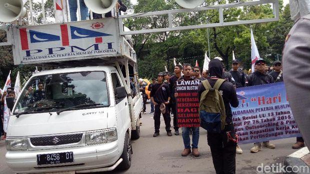 Demo digelar di depan kantor Bareskrim