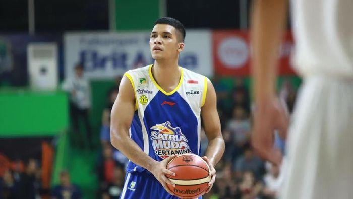 Kevin Yonas Argadiba Sitorus tak akan menyiakan kesempatan bergabung dengan Timnas basket. (istimewa)