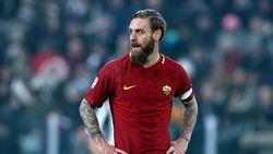 Rumor Transfer: AC Milan Tertarik Tampung De Rossi