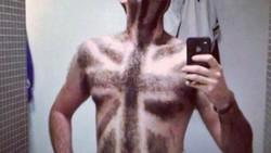 Bulu dada sebetulnya memiliki fungsi untuk melindungi kulit. Namun beberapa orang ada yang kreatif mencukur bulu dadanya hingga meninggalkan motif unik.