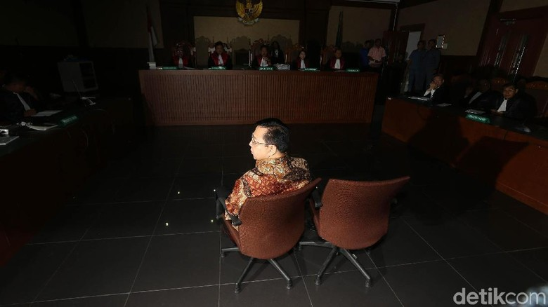 Hakim Beberkan Fakta Persidangan di Sidang Vonis Novanto