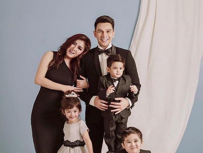 Keluarga Jonathan Frizzy
