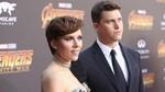 Pamer Tato dan Gandeng Cowok, Scarlett Johansson di Oscar 2017