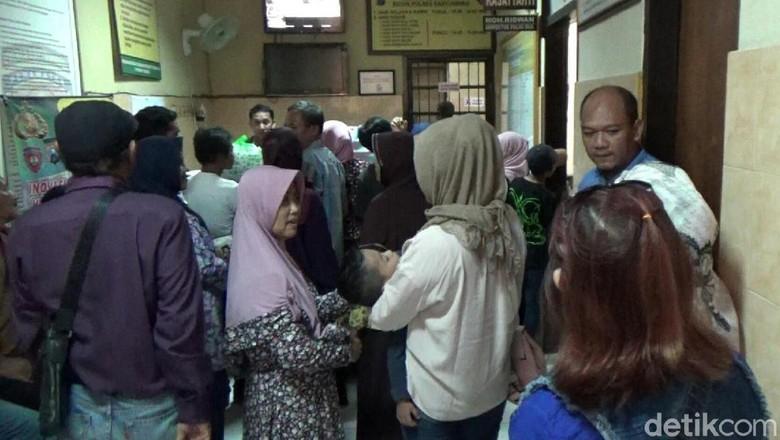 Jenguk Bos Arisan Mami Gaul, Korban Kecewa Pelaku Tak Menyesal
