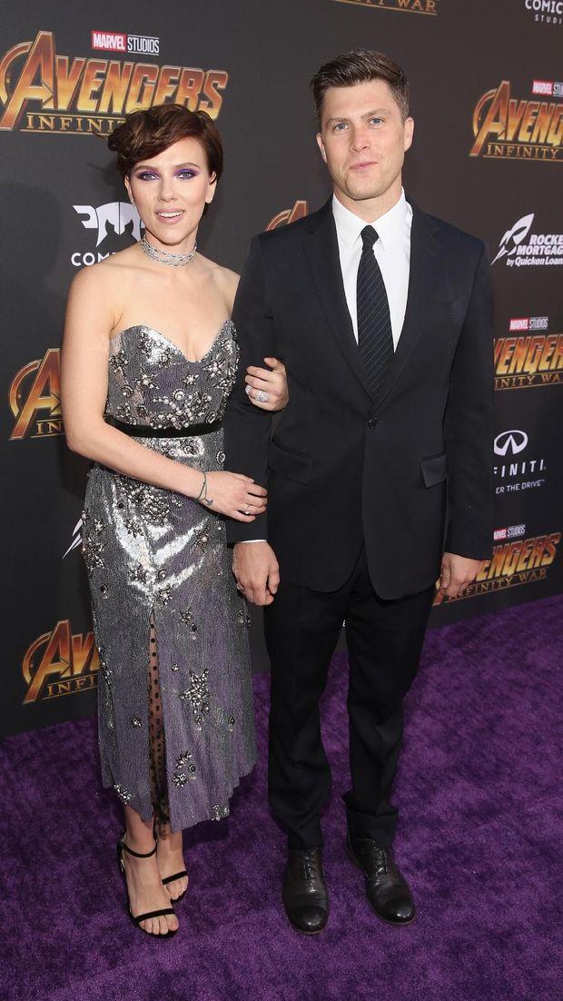 Scarlett Johansson bersama kekasih barunya Colin Jost di premier 'Avengers: Infinity War'.