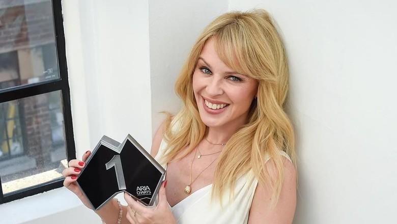 Music Review: Kylie Golden, Kembalinya Sang Ratu Dansa