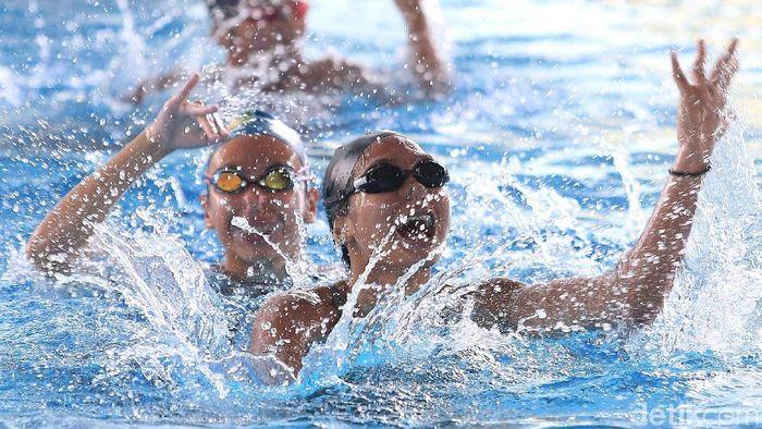 Atlet renang indah Naima Syeeda mulai berlatih renang sejak berusia tiga tahun. (Foto: Rengga Sancaya)