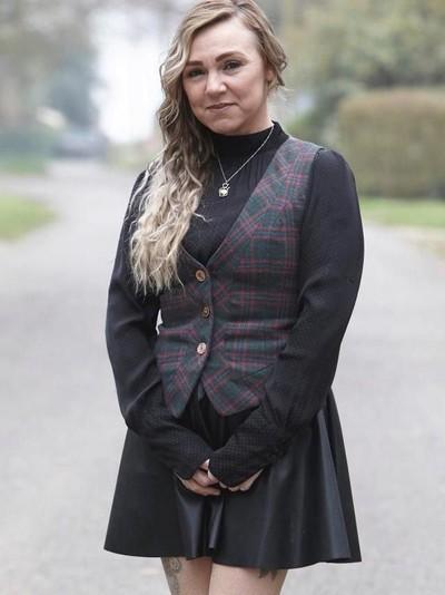 Wanita yang Melepas Implan Payudara Sendiri Pakai Cutter. Foto: Dok. Triangle News