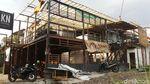 Penampakan Puting Beliung di Yogya dan Bangunan yang Rusak Tersapu