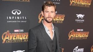 Menang Teen Choice Chris Hemsworth Goda Fans Tentang Avengers 4