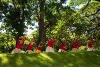 Orang-orang Hawaii yang cinta dengan budayanya dan menjaga budaya berbuat baik (Hawaii Tourism Authority/Facebook)