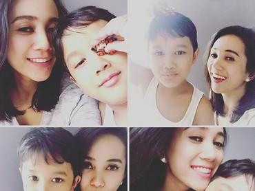 Dimitri mirip sama Bunda Mira nggak, Bun? (Foto: Instagram/ @mira_asmara)
